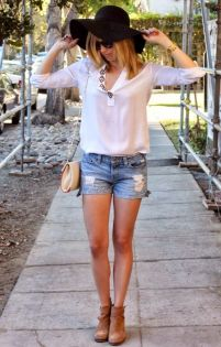 5266175555908336939c70ff8e419e1c--denim-cutoffs-fashion-photo